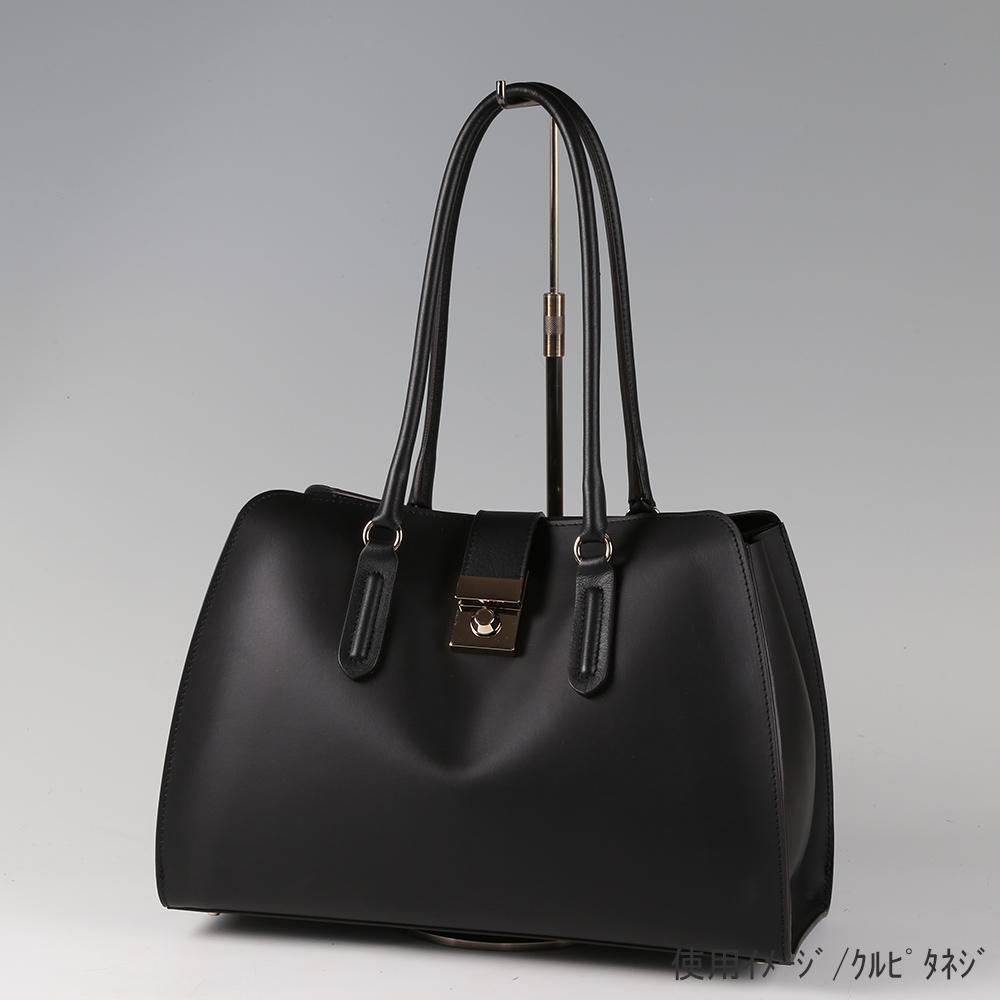●卓上バッグ掛けスタンド使用イメージ画像 ●バッグスタンドA-L くるぴたネジ仕様 ●画像はバッグをディスプレイしたイメージ画像です。(画像のバッグは商品に含まれません)