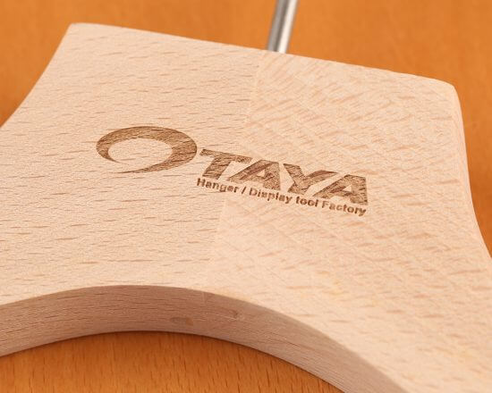 木製ハンガー レーザー刻印