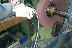 ハンガー製造工程 研磨