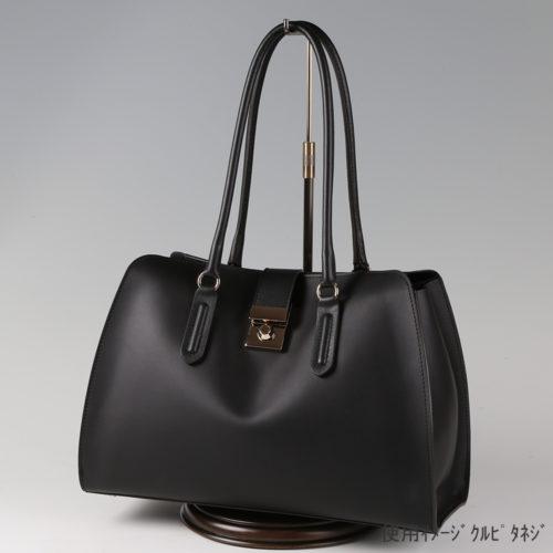 ●卓上バッグ掛けスタンド木製ベース仕様 使用イメージ画像 ●バッグスタンドA-L くるぴたネジ 木製ベース仕様 ●画像はバッグをディスプレイしたイメージ画像です。(画像のバッグは商品に含まれません)