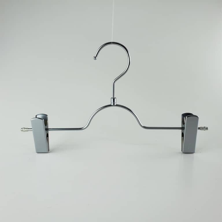 アウトレット品 #1162 (在庫限り品) ボトムハンガー クローム艶消 フック回転式 【計4本セット】
